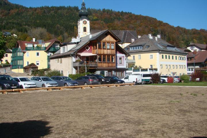 IMMOBILIENDEAL AM ATTERSEE